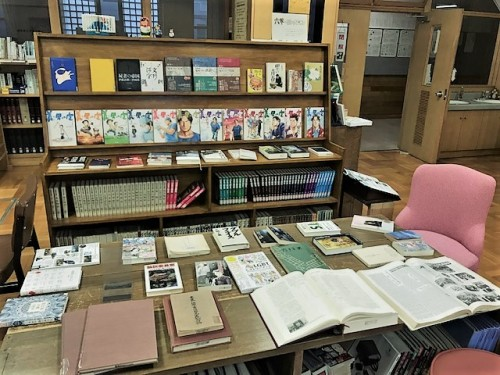 図書室で創立125周年特別展示